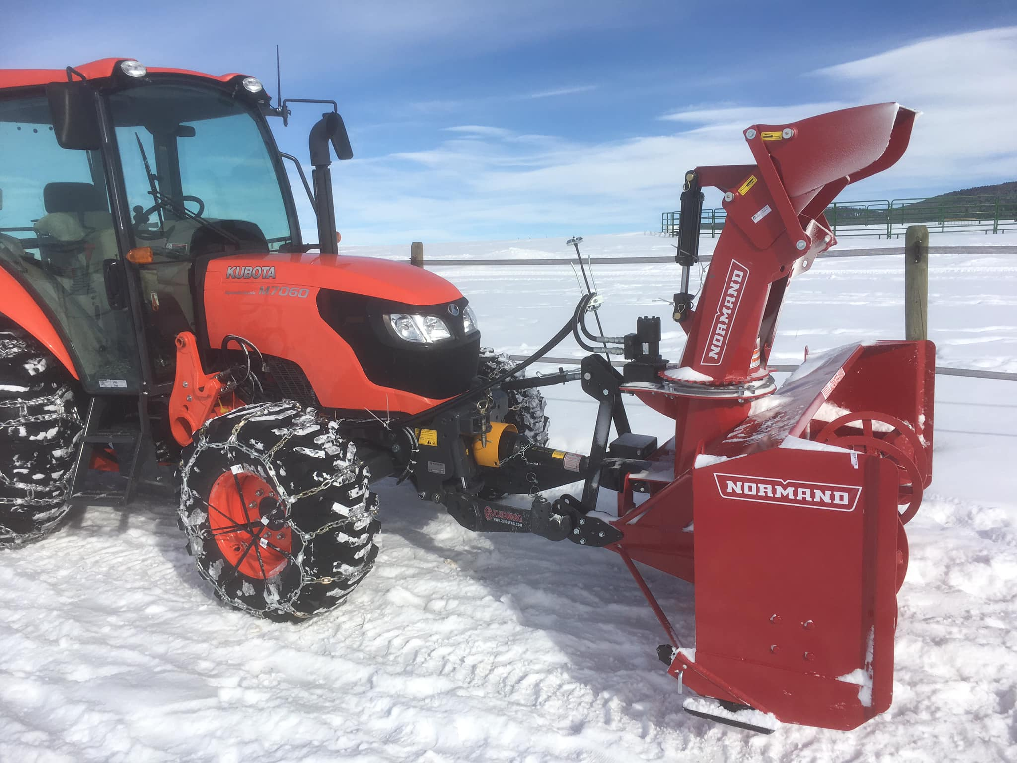 Sneeuwschuiven snow removal blade fronthitch New Holland